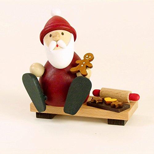 Weihnachtsfigur Weihnachtsmann modern auf Bank mit Lebkuchenmann, Backblech & Nudelholz H 9,0cm NEU...