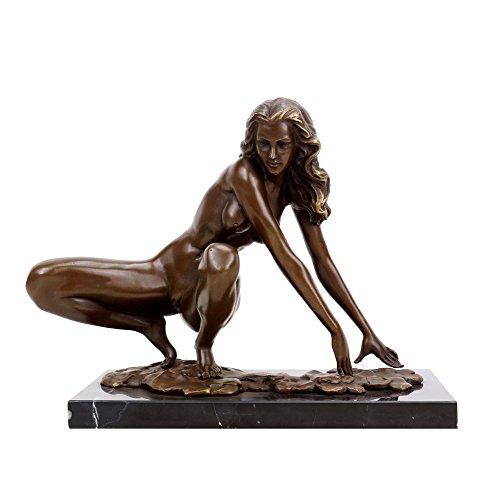 Kunst & Ambiente - Erotik Skulptur - Hockende Amazone - Aktbronze - signiert Césaro - Erotik Akt -...