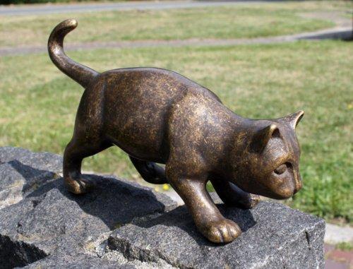 Unbekannt Bronzeskulptur kleine laufende Katze - Dekoration für Haus und Garten - 23x12,5x6 cm