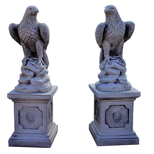 Antikes Wohndesign 2 x Greifvogel 2 x Säulensockel sitzend Adler Gartenfigur Steinfigur Höhe: 99cm