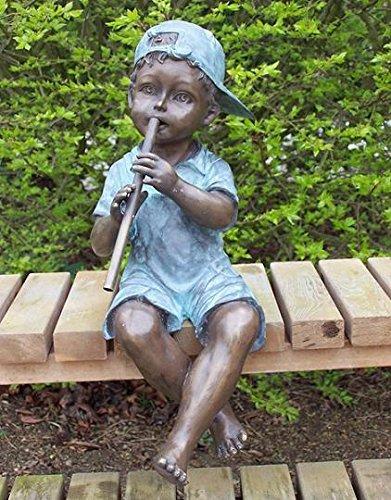 H. Packmor GmbH Bronzeskulptur Junge mit Flöte - Wasserspeier für den Garten/Teich - 25x50x20 cm