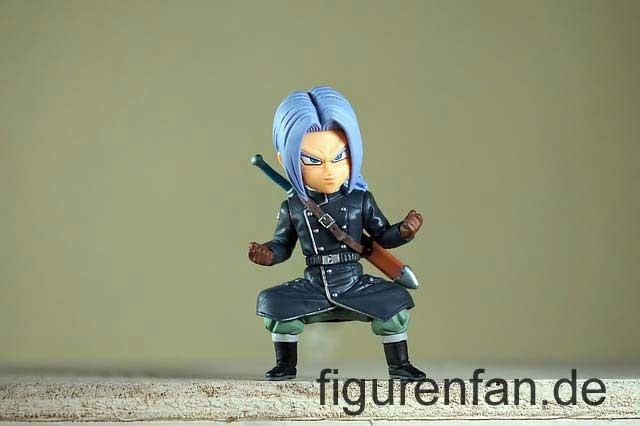 Anime Manga Figur mit Schwert auf dem Rücken