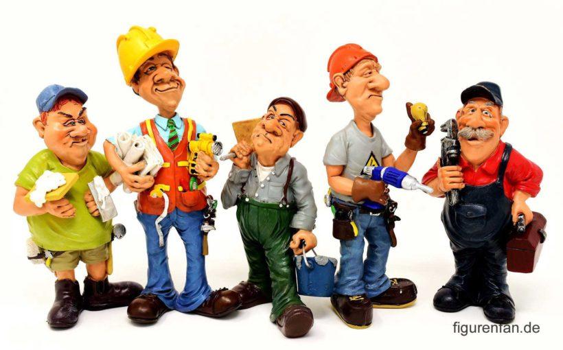 Lustige Handwerker Figuren Gruppe aus Polyresin Kunstharz