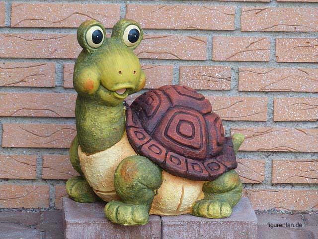 Lustige wetterfeste Gartenschildkröte aus Ton mit großen Augen
