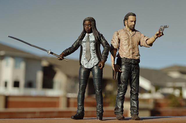 The Walking Dead Figuren Foto Grimes Michonne
