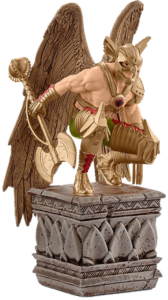 Thor Figur mit Axt und Flügeln auf einem Podest