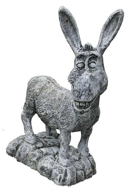 Esel aus Stein Figur